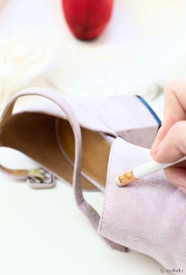 Comment enlever des taches tenaces sur des chaussures en daim ?