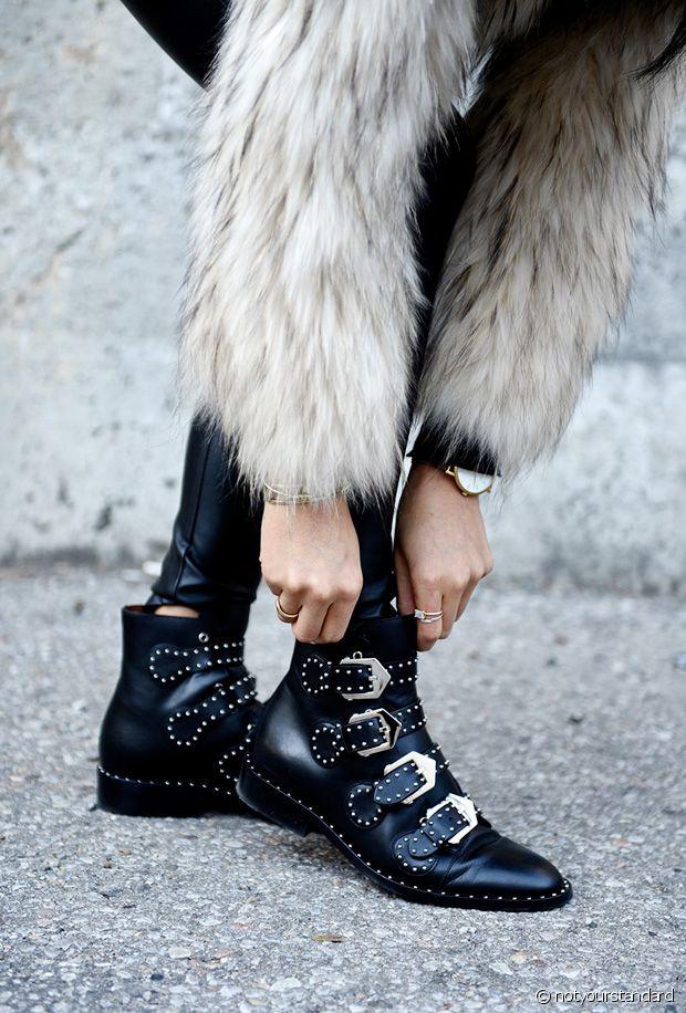 Je veux des bottines à boucles à la Givenchy