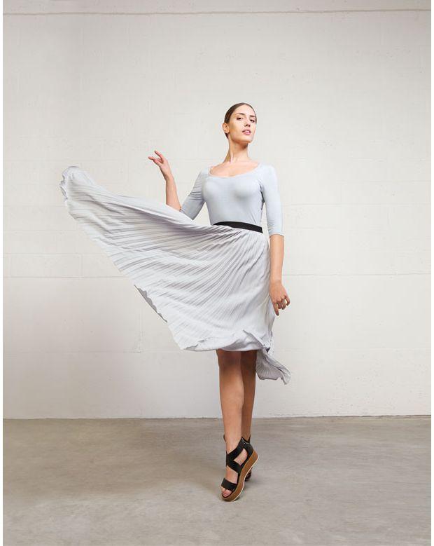 Cette robe fluide est juste magnifaïque ma chérie