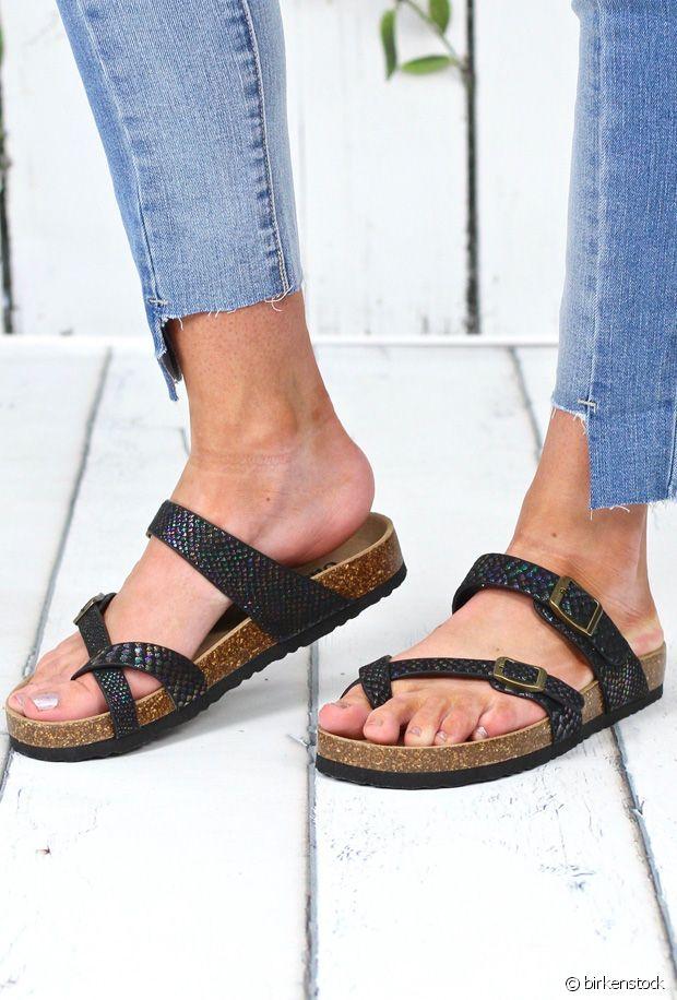 Ecailles, textures irisées, paillettes : notre sélection de chaussures de sirène pour l'été
