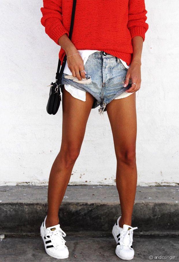 Quelles chaussures porter avec un short en jean ?