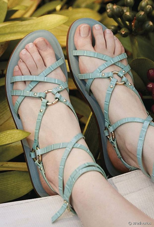 Sélection de sandales plates pour l'été 2020