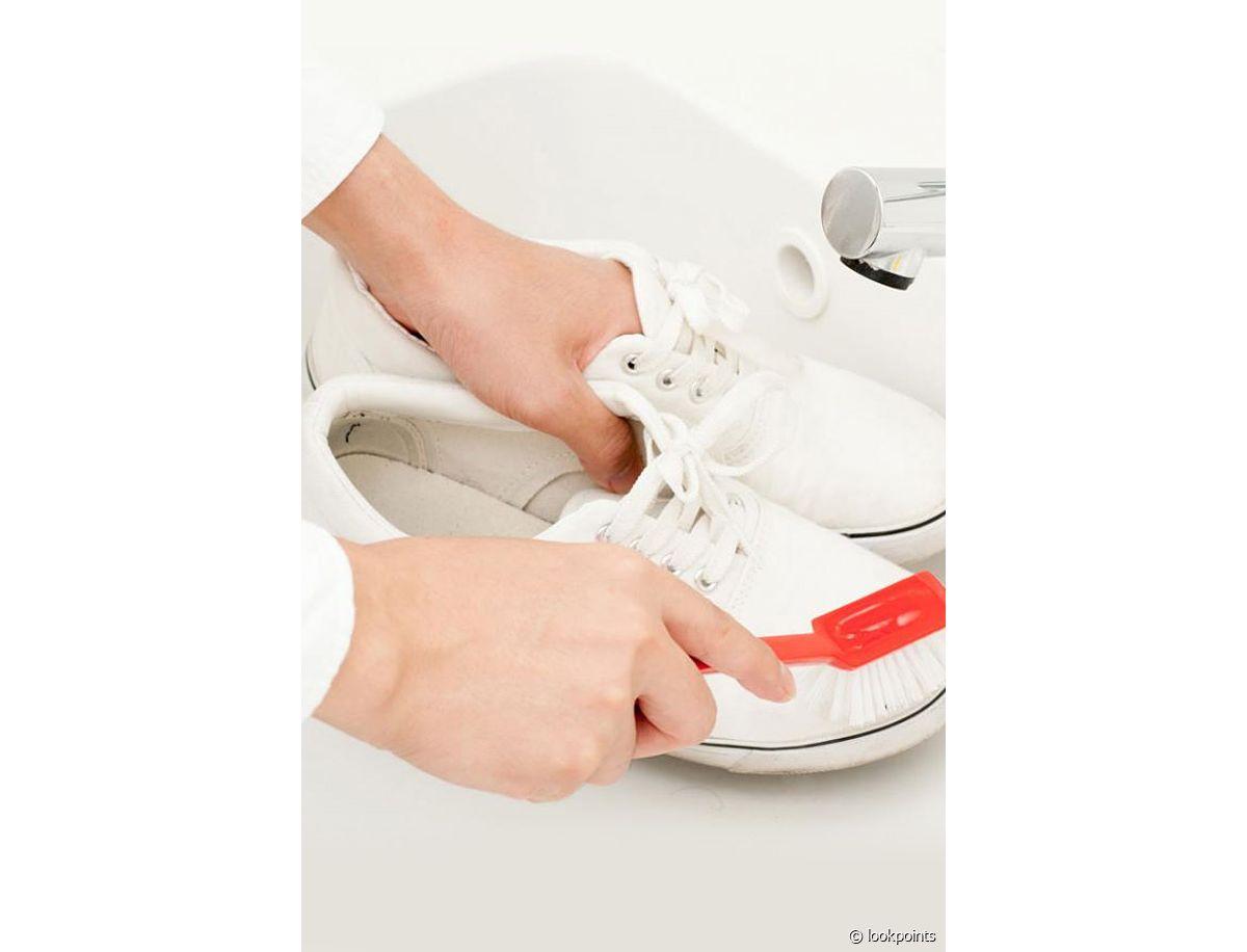 10 astuces pour nettoyer des baskets blanches en cuir Run