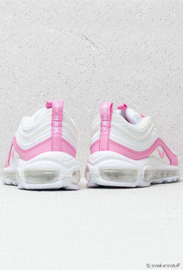 Nike débvoile son pack de baskets roses du nom de Psychic Pink