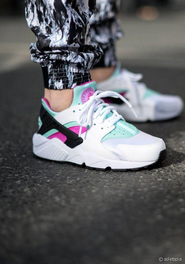 Nike Huarache Noir Semelle Blanc