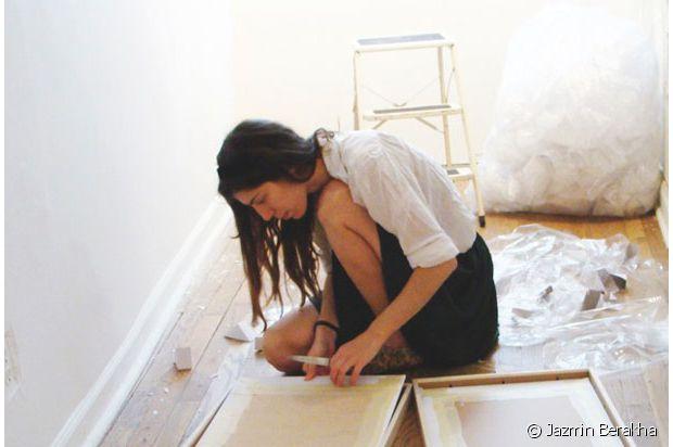 Jazmin en pleine création dans son atelier