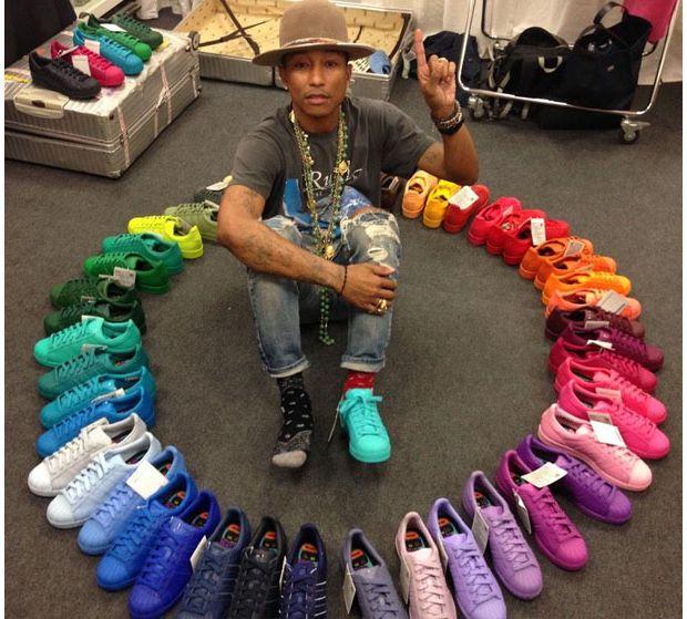 pas mal 79479 7884f Superstar Supercolor : les baskets colorées de Pharrell ...