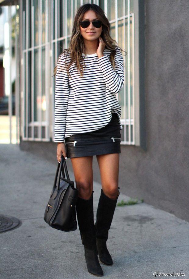 Une marinière, une jupe en cuir, des bottes hautes et voilà le travail