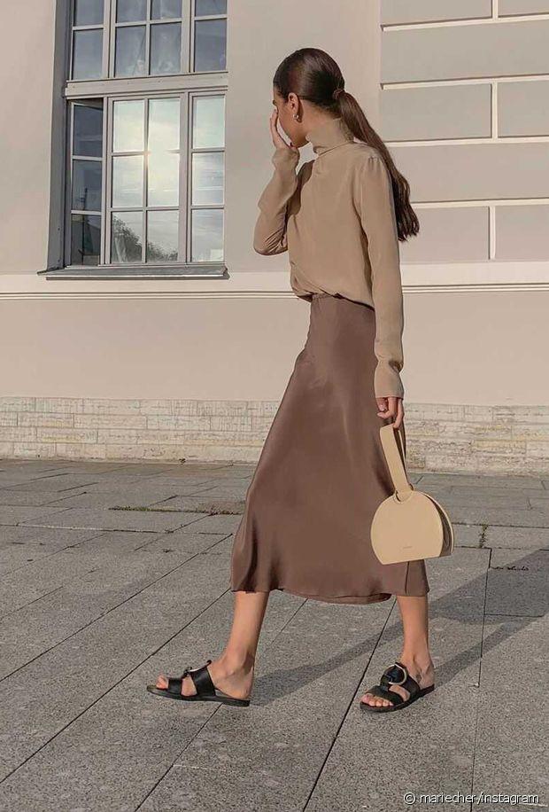 Quelles chaussures porter avec une jupe midi ?