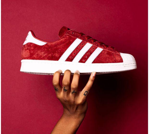 Adidas lance un pack de Superstars en daim Run Baby Run