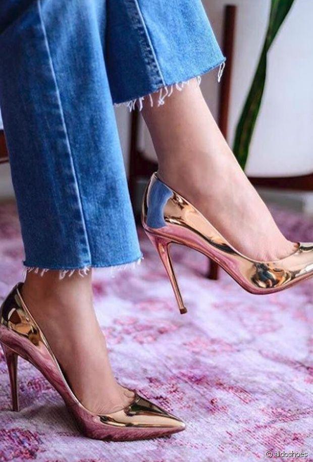 Sélection de chaussures dorées pour illuminer l'hiver