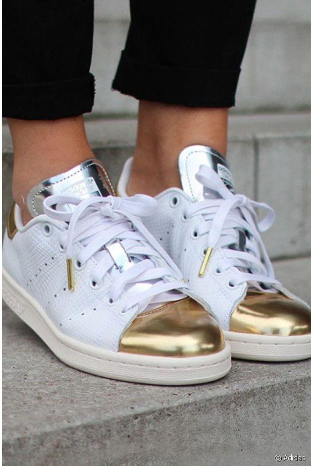 Chaussures dorées vs argentées