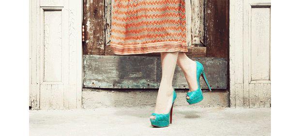 Aurevoir chaussures noires, bonsoir bleu canard