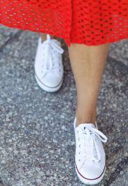 Jean boyfriend je mets quoi comme chaussures - Comment nettoyer des basket blanche ...