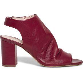 Sandale couvrante rouge en cuir rouge eram