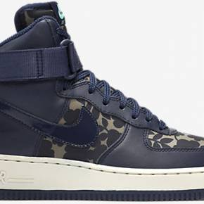 Chaussure de basket-ball nike air force 1 high...