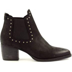 Chelsea boots aux clous noires. sacha noir