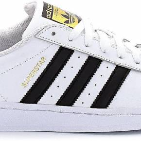Adidas sort 2 Superstars canons à bouts métalliques Run