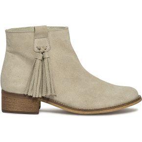 Boots beige à pompons