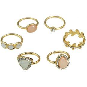 Un costume de strass faux anneaux d'opale...