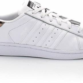 Baskets basses à lacets superstar w. adidas