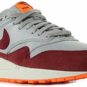 Air max 1 essential. nike gris, bordeaux et...