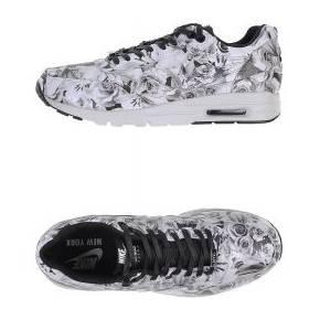 Sneakers & tennis basses nike femme. blanc. 38...