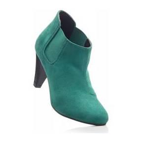 Les bottines basses vert avec 8 cm talon...