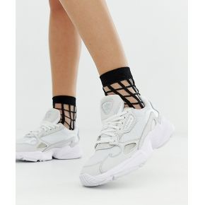 Femme adidas originals - triple white falcon -...