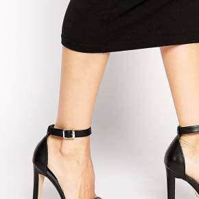 Windsor smith - desiree - sandales minimalistes...